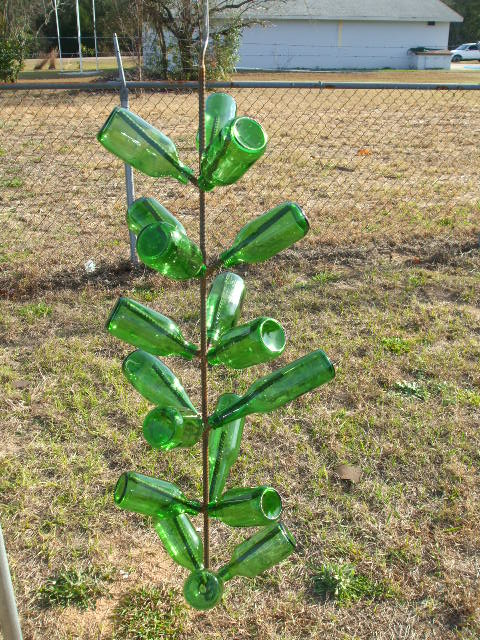hanging bottle tree.jpg